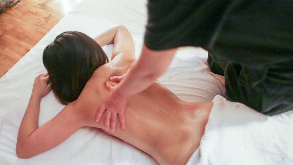 Thai massage with oil
